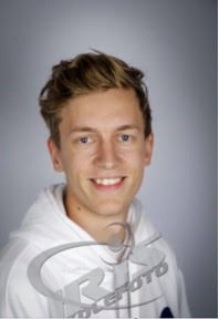 Lærer på kurset er Simon Gåsbakk